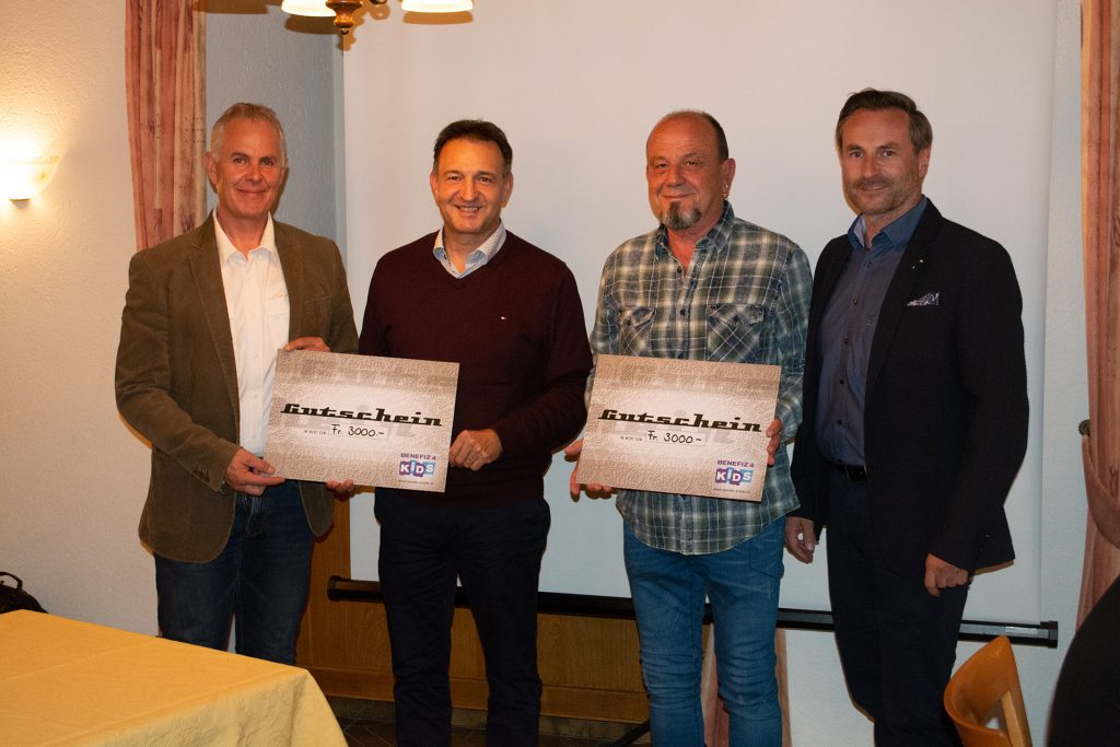 von links nach rechts: Gerold Biner / Daniel Friedli, President KC Oensingen Bechburg / Hansjörg Bobst / René Meyer, Past President KC Oensingen Bechburg